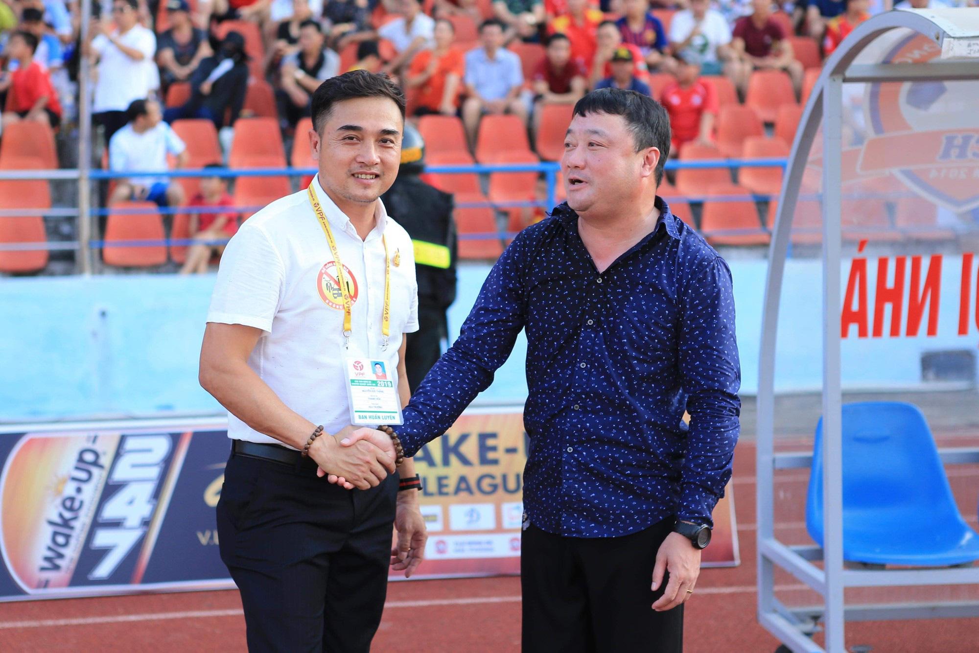 3 HLV V.League tham dự trận đấu huyền thoại của bóng đá Việt Nam - Ảnh 1.