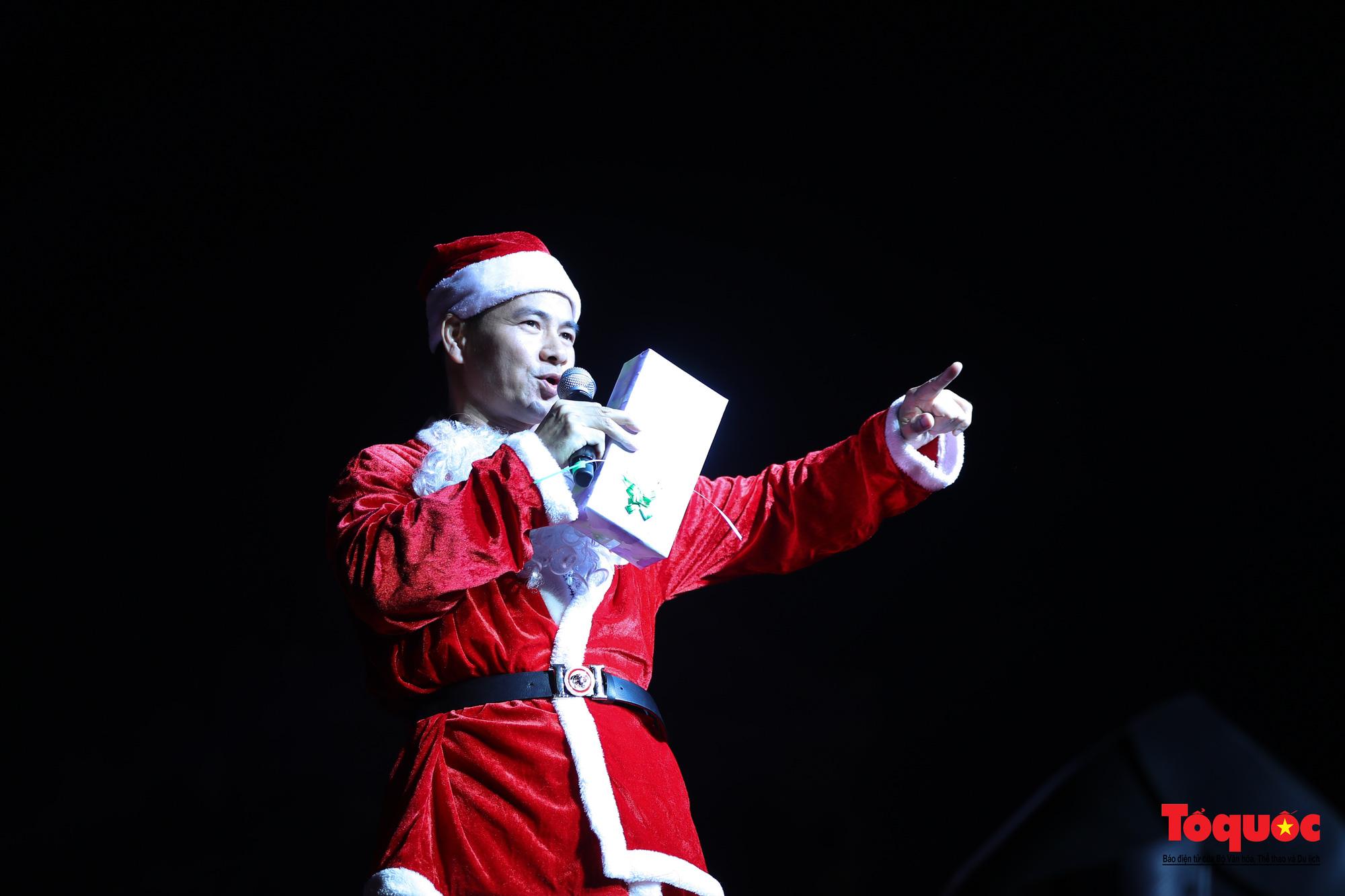 Bùng nổ Đại nhạc hội Giáng sinh 2020 tại Nhà hát Lớn - Ảnh 6.