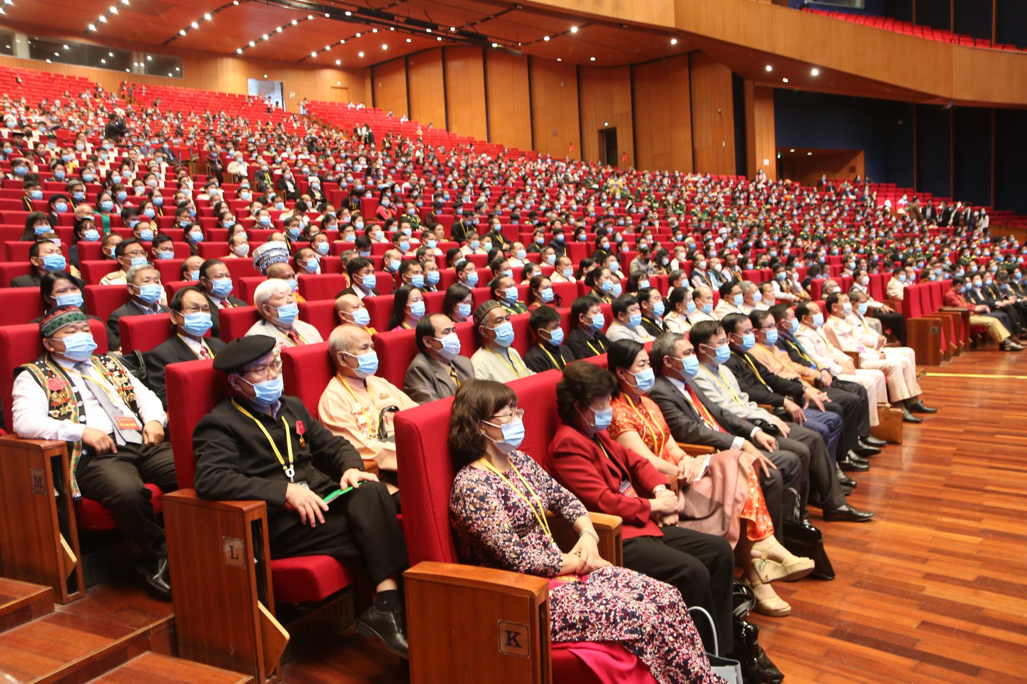 Họp phiên trù bị Đại hội Đại biểu toàn quốc các dân tộc thiểu số Việt Nam lần thứ II  - Ảnh 1.
