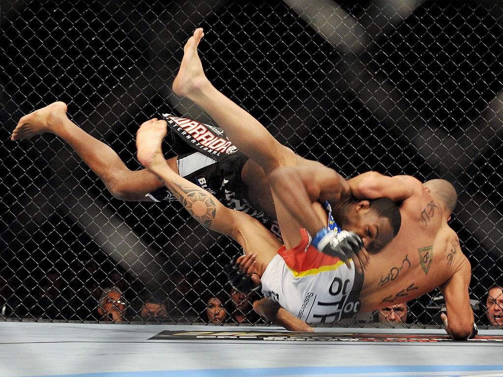 """Nhà vô địch ONE Brandon Vera chia sẻ về lần bị Jon Jones """"hành hạ"""" tại UFC: Cậu ta đã dạy cho tôi bài học không thể quên - Ảnh 2."""