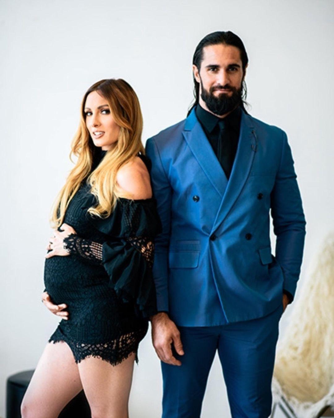 Mỹ nhân Becky Lynch cùng Seth Rollins chào đón thiên thần nhỏ đầu lòng - Ảnh 1.