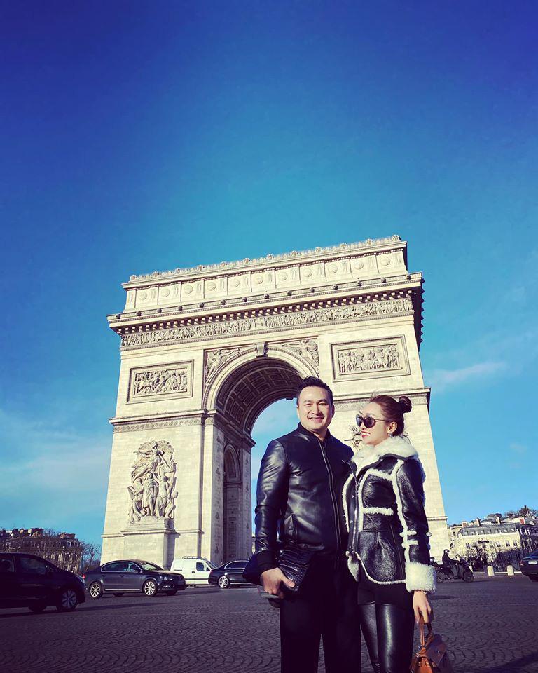 Chi Bảo và bạn gái kém 16 tuổi thường xuyên đi du lịch sang chảnh - Ảnh 1.