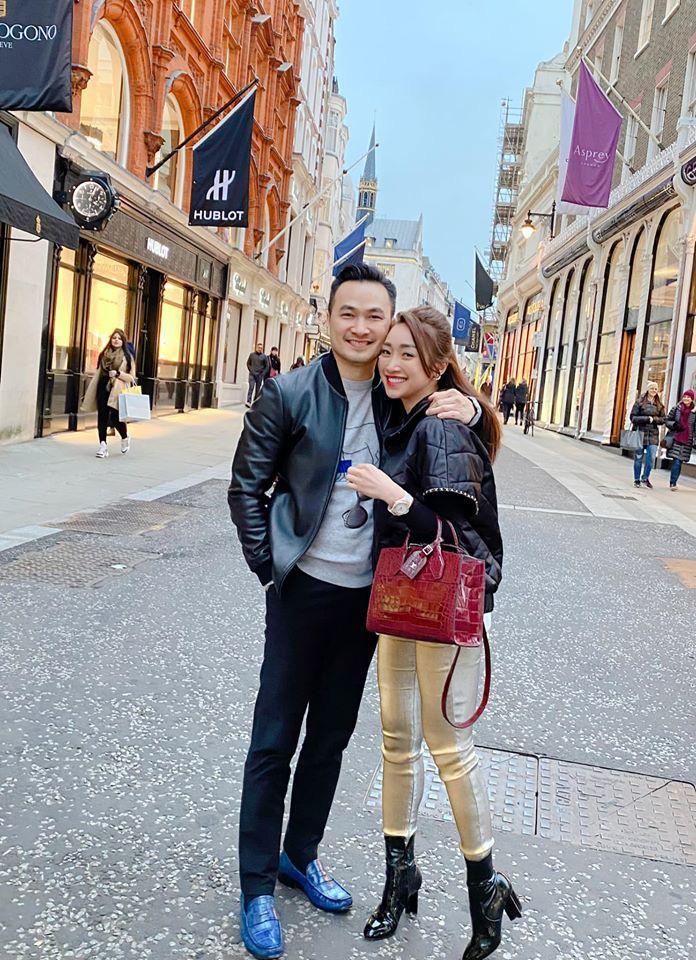 Chi Bảo và bạn gái kém 16 tuổi thường xuyên đi du lịch sang chảnh - Ảnh 5.