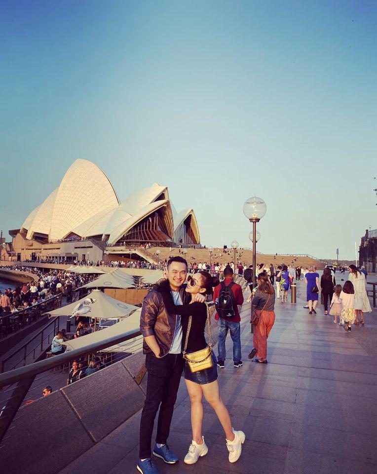 Chi Bảo và bạn gái kém 16 tuổi thường xuyên đi du lịch sang chảnh - Ảnh 8.