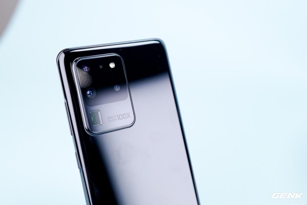 Nếu chỉ cấu hình cao thì Galaxy S20 Ultra giá đắt thật, nhưng bạn quên Galaxy Buds  và camera à? - Ảnh 1.