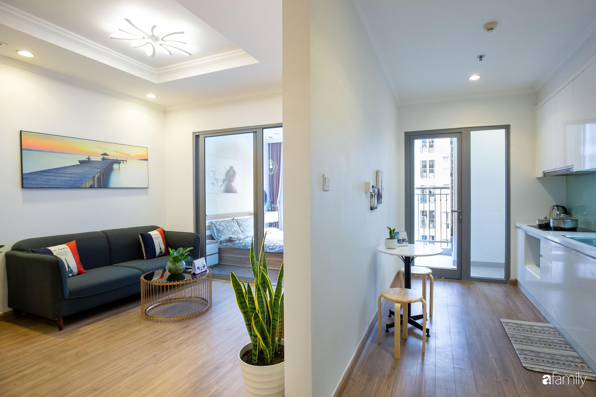 Thiết kế đơn giản với nội thất tiện nghi, căn hộ 53m2 trên tầng cao khiến nhiều người ao ước sở hữu ở Hà Nội - Ảnh 5.