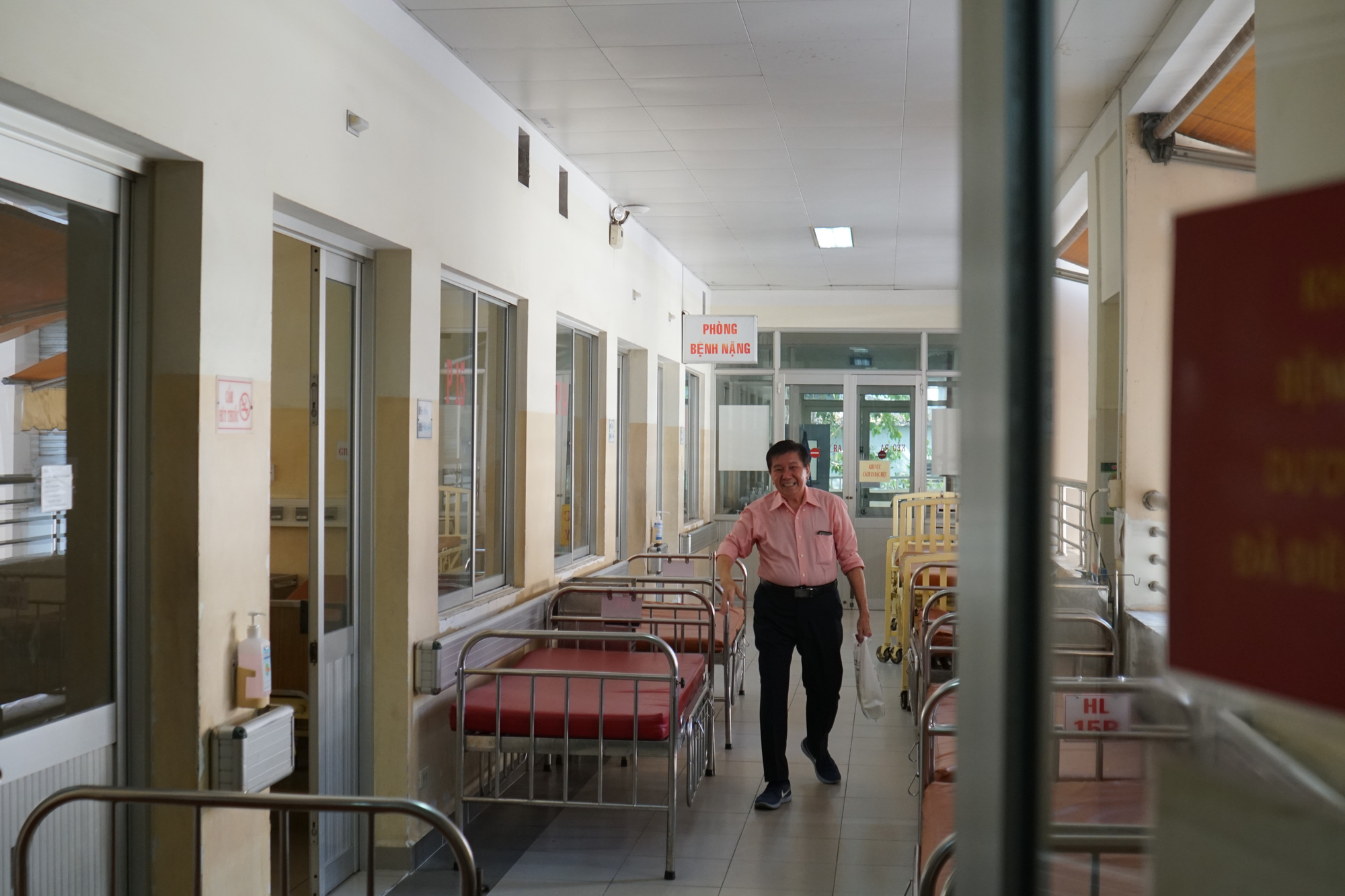 Bệnh nhân thứ 3 nhiễm corona ở Sài Gòn được chữa khỏi: Tôi từ chỗ chết trở về - Ảnh 2.