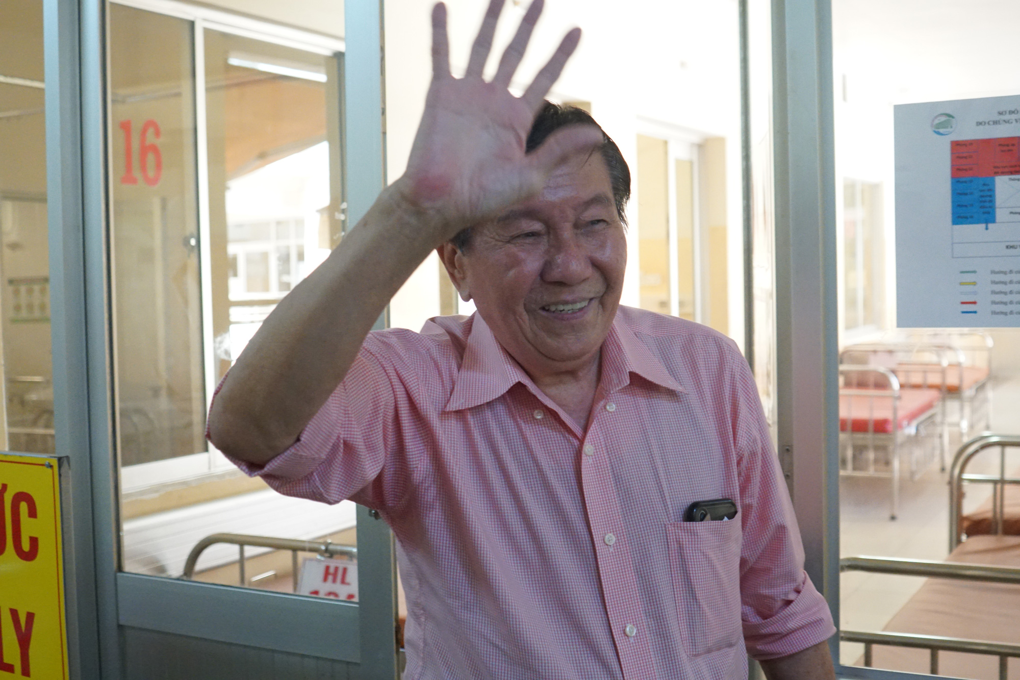 Bệnh nhân thứ 3 nhiễm corona ở Sài Gòn được chữa khỏi: Tôi từ chỗ chết trở về - Ảnh 3.