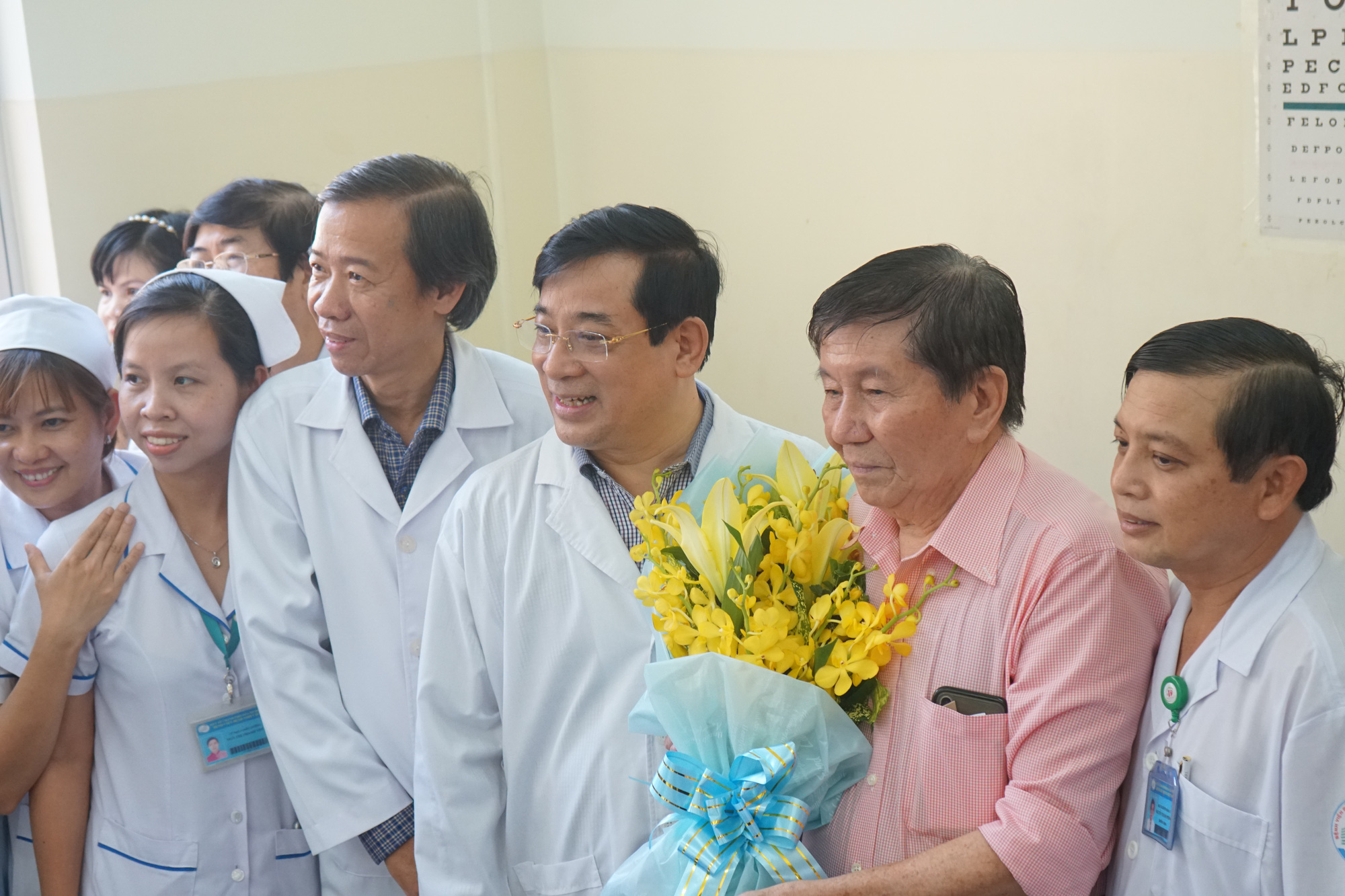 Bệnh nhân thứ 3 nhiễm corona ở Sài Gòn được chữa khỏi: Tôi từ chỗ chết trở về - Ảnh 4.