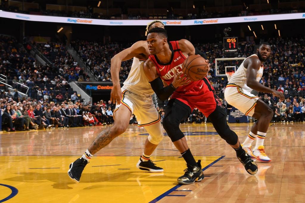 Russell Westbrook và James Harden cùng lập Double-double, Houston Rockets dễ dàng nghiền nát Golden State Warriors - Ảnh 2.