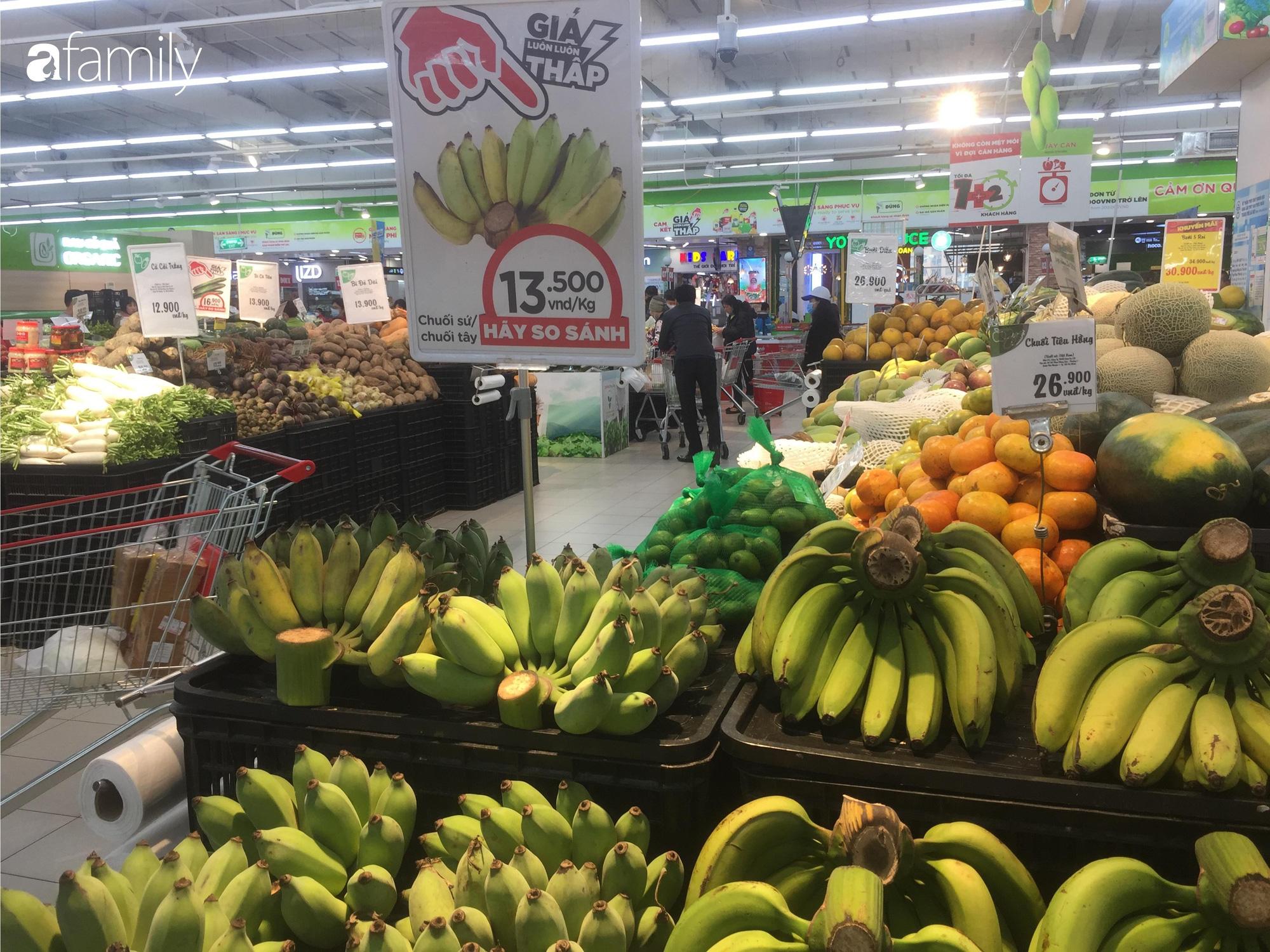 Giá hoa quả trong siêu thị rẻ gấp 3 lần so với thời điểm trước Tết, dưa hấu còn 6.700 đồng/kg - Ảnh 8.