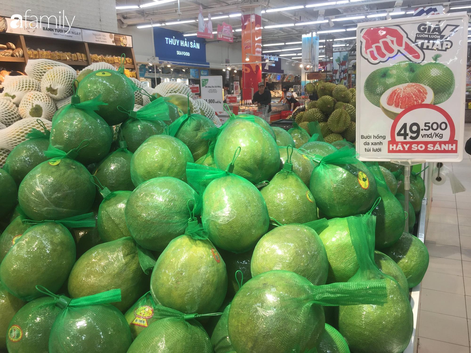Giá hoa quả trong siêu thị rẻ gấp 3 lần so với thời điểm trước Tết, dưa hấu còn 6.700 đồng/kg - Ảnh 10.