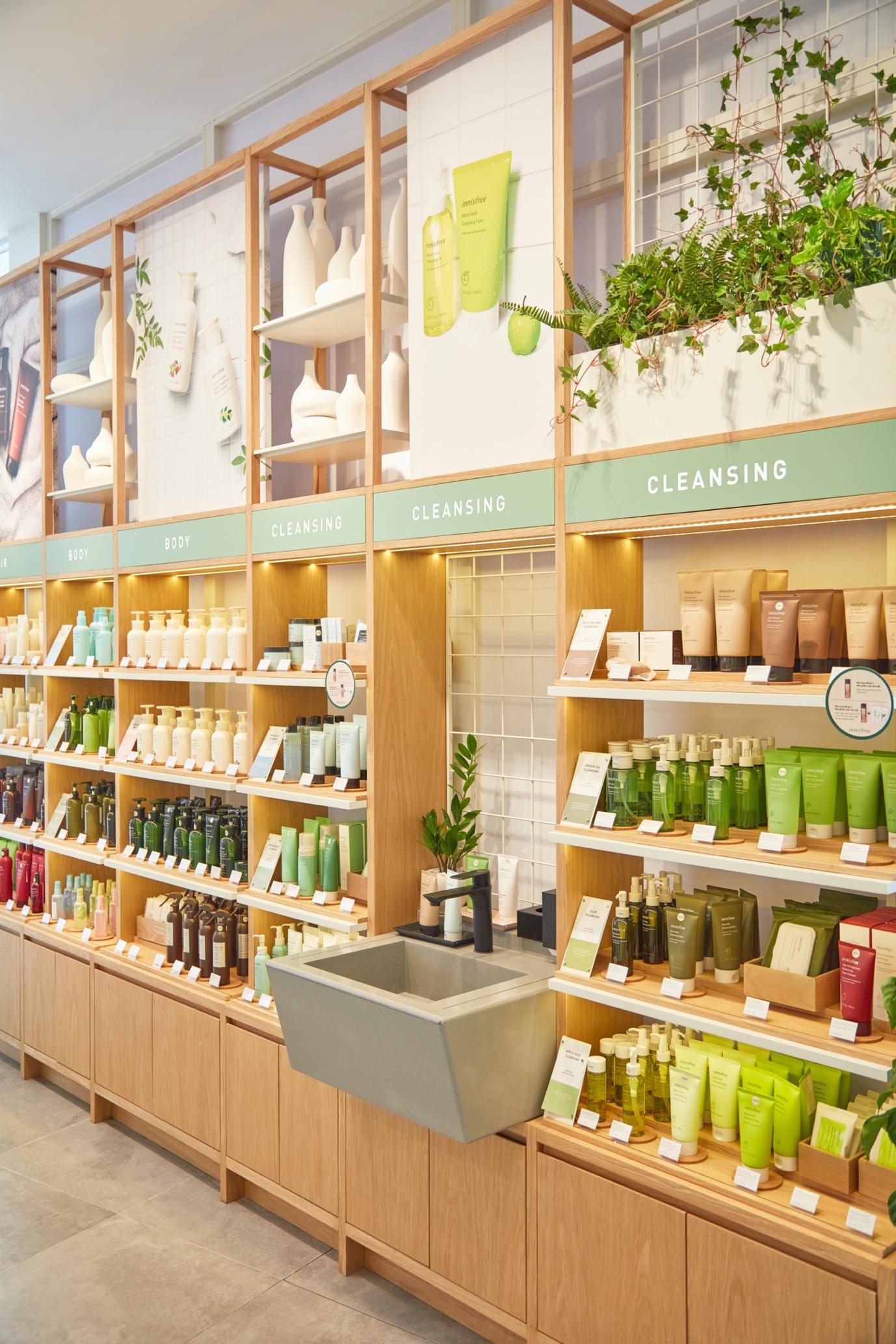 """Mở rộng chuỗi cửa hàng thân thiện với môi trường, innisfree khai trương """"điểm dừng chân xanh"""" đầu tiên tại Đà Nẵng - Ảnh 3."""