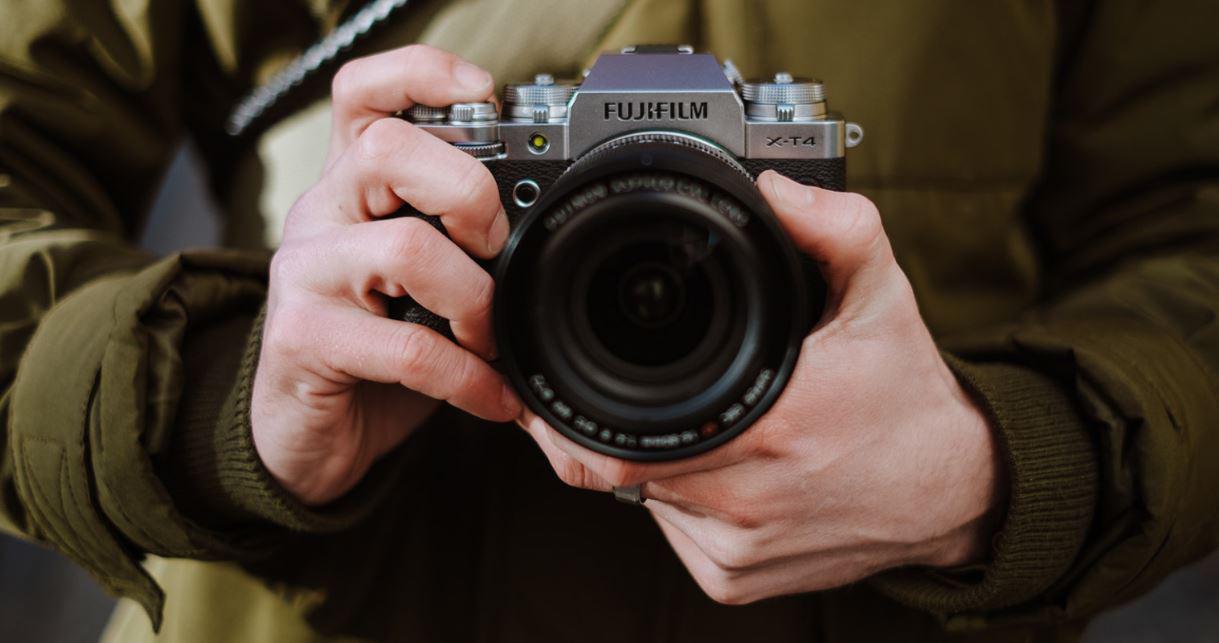 Fujifilm ra mắt máy ảnh X-T4: Chống rung cảm biến, màn chập mới, pin lớn hơn - Ảnh 1.