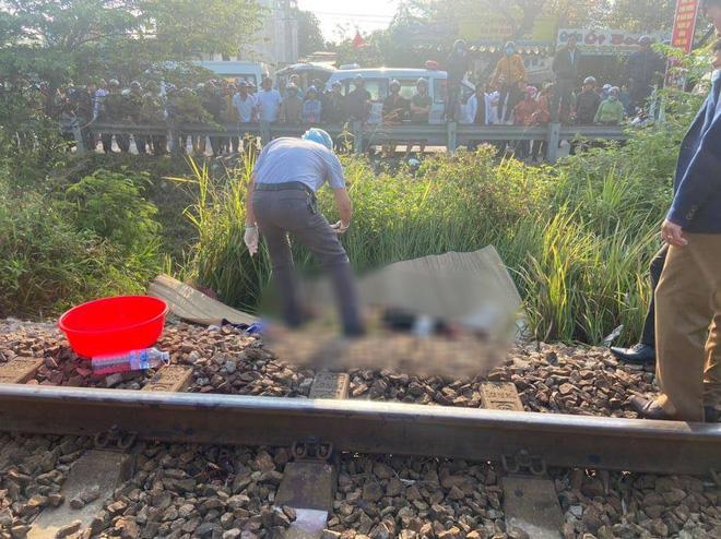 Nằm trên đường ray, người đàn ông bị tàu hỏa tông chết thảm - Ảnh 2.