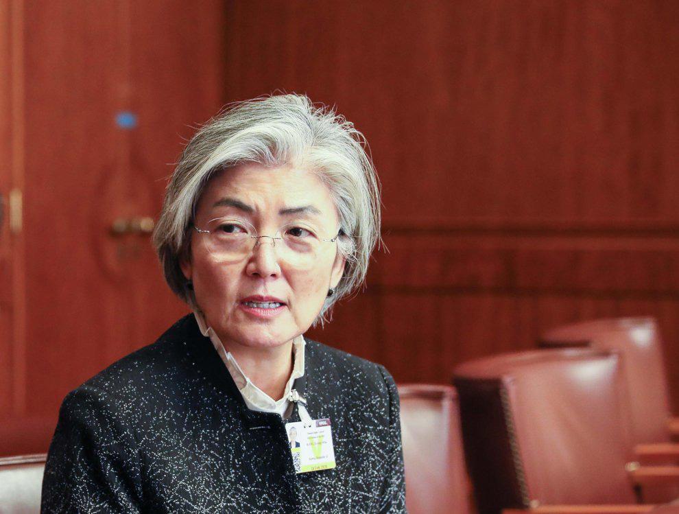 Người Hàn bị Trung Quốc bắt buộc cách ly tại sân bay, dân Hàn Quốc nổi giận với Bộ ngoại giao - Ảnh 3.