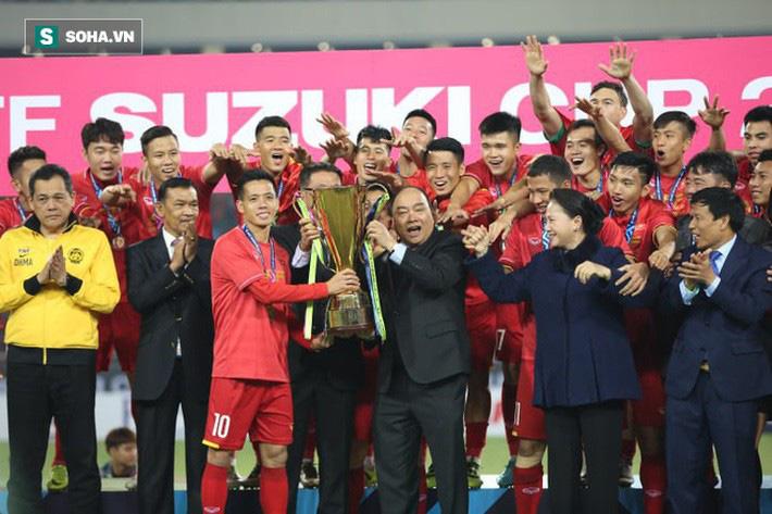 Hoàn thành 2 nhiệm vụ mà VFF giao, HLV Park Hang-seo sẽ đi vào lịch sử bóng đá Đông Nam Á - Ảnh 1.