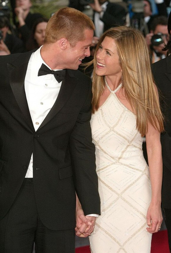 Người trong cuộc chưa lên tiếng, em họ Jennifer Aniston đã có những chia sẻ đầu tiên về việc nữ diễn viên tái hợp Brad Pitt - Ảnh 3.