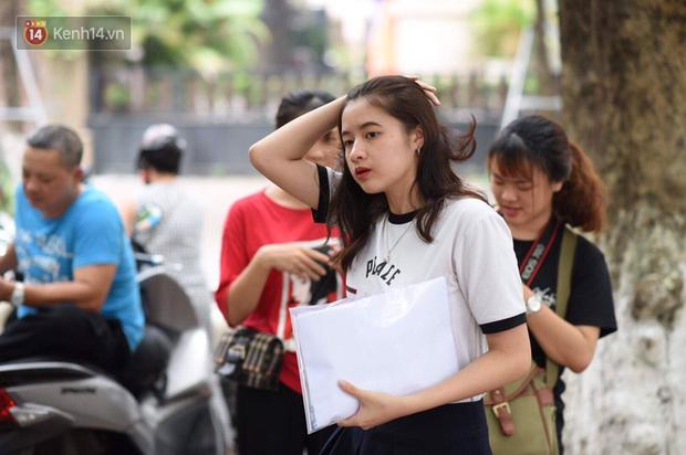 Một trường đại học ở Hà Nội cho sinh viên nghỉ đến hết tháng 3 - Ảnh 1.