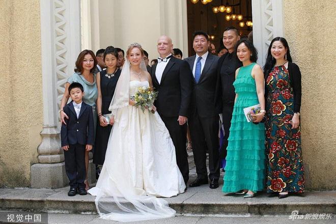 Tình duyên ly kỳ của Tiểu Long Nữ gốc Việt: Tuổi U60 vẫn được làm dâu nhà tỷ phú khét tiếng Hong Kong - Ảnh 10.