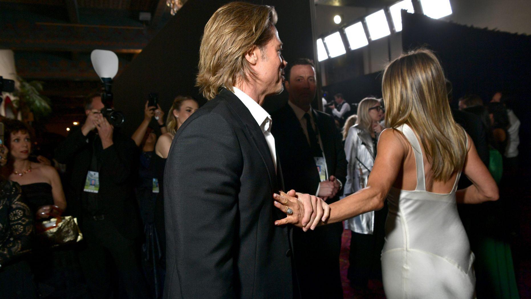 Người trong cuộc chưa lên tiếng, em họ Jennifer Aniston đã có những chia sẻ đầu tiên về việc nữ diễn viên tái hợp Brad Pitt - Ảnh 2.