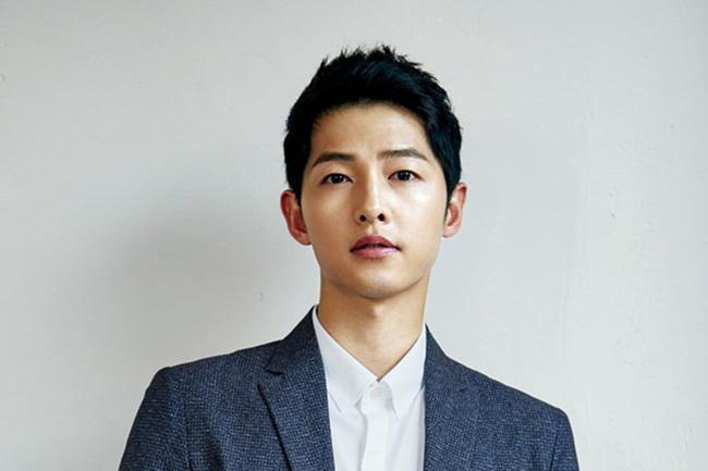 Song Hye Kyo âm thầm trở về nước sau khi Song Joong Ki được khen ngợi vì quyên góp gần 2 tỷ đồng cho cuộc chiến chống Covid-19 - Ảnh 1.