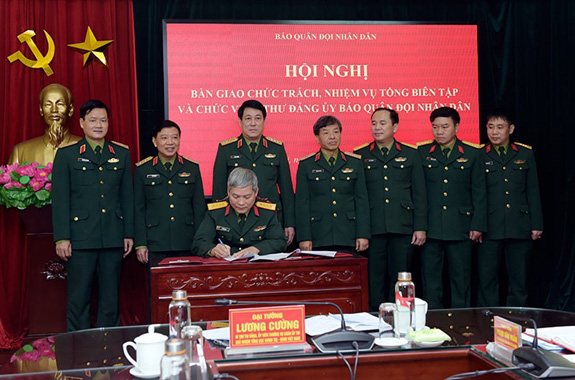 Đại tá Đoàn Xuân Bộ phụ trách Tổng biên tập báo Quân đội Nhân dân - Ảnh 2.
