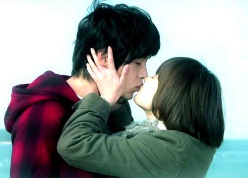 """Sau gần 10 năm chia tay, Song Hye Kyo và Hyun Bin bất ngờ được cư dân mạng """"tác hợp"""", liệu có cơ hội trở về bên nhau? - Ảnh 2."""