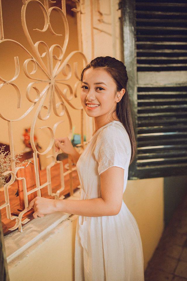 """Bất ngờ với ngoại hình nóng bỏng hiện tại của """"chị ong vàng"""", cô bé 15 tuổi đã được lên sóng VTV - Ảnh 8."""