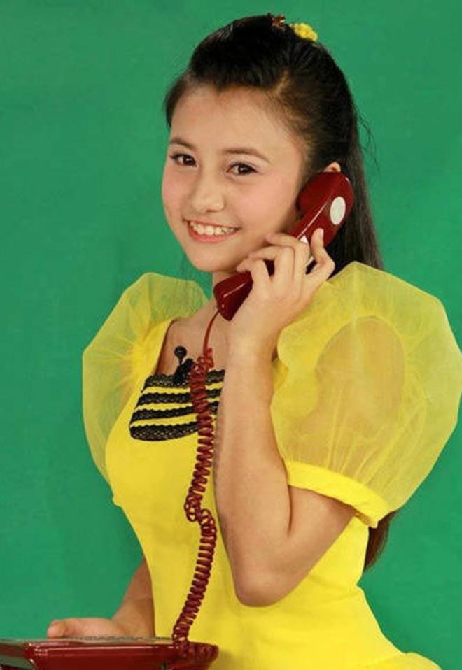 """Bất ngờ với ngoại hình nóng bỏng hiện tại của """"chị ong vàng"""", cô bé 15 tuổi đã được lên sóng VTV - Ảnh 1."""