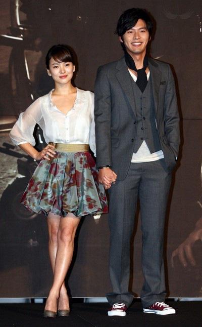 """Sau gần 10 năm chia tay, Song Hye Kyo và Hyun Bin bất ngờ được cư dân mạng """"tác hợp"""", liệu có cơ hội trở về bên nhau? - Ảnh 4."""