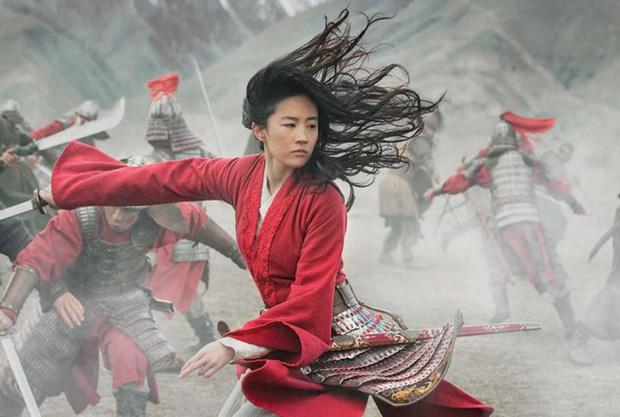 """""""Mulan"""" của Lưu Diệc Phi bị chấm 2/10 điểm, trở thành nồi lẩu thập cẩm đáng thất vọng của Disney?  - Ảnh 4."""