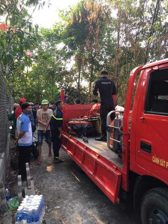 Cứu được bé trai đang chới với dưới sông Sài Gòn, phát hiện thêm một nạn nhân - Ảnh 1.