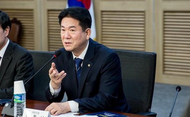 LMHT: Nữ chính trị gia Hàn Quốc có nguy cơ tan tành cả sự nghiệp vì... thuê người cày rank hộ - Ảnh 2.