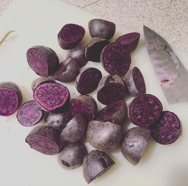 Những loại rau củ kỳ lạ nhất thế giới: Ngô 7 màu, xúp lơ trông như xương rồng - Ảnh 5.