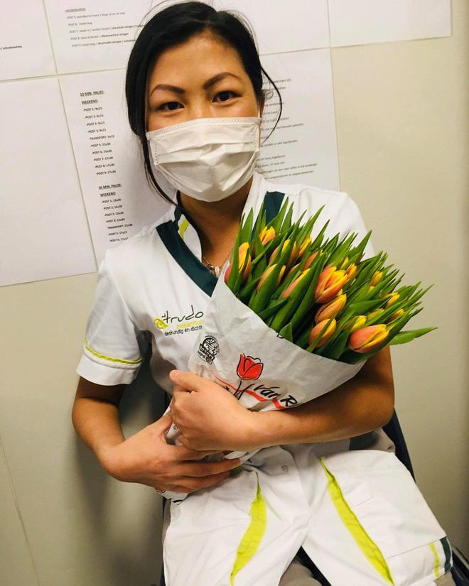 Hiện tượng mạng Cô bé Hmong giỏi tiếng Anh được tặng hoa cảm ơn vì tham gia chăm sóc bệnh nhân Covid-19 tại Bỉ - Ảnh 2.