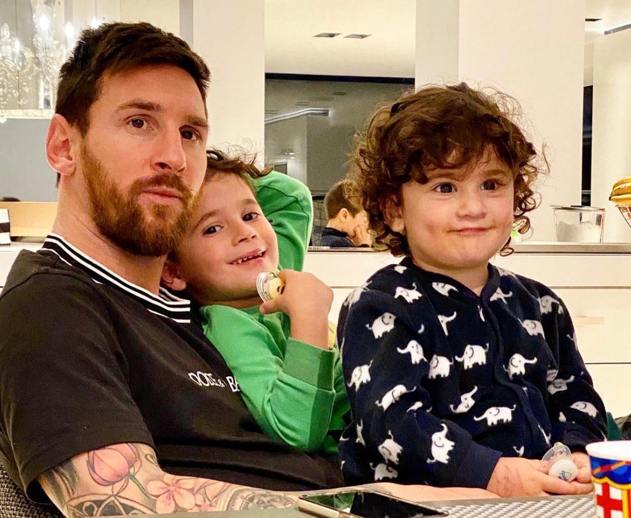 Ủng hộ 1 triệu euro để chống dịch Covid-19, Messi còn hi sinh thêm tiền tấn vì Barcelona - Ảnh 1.
