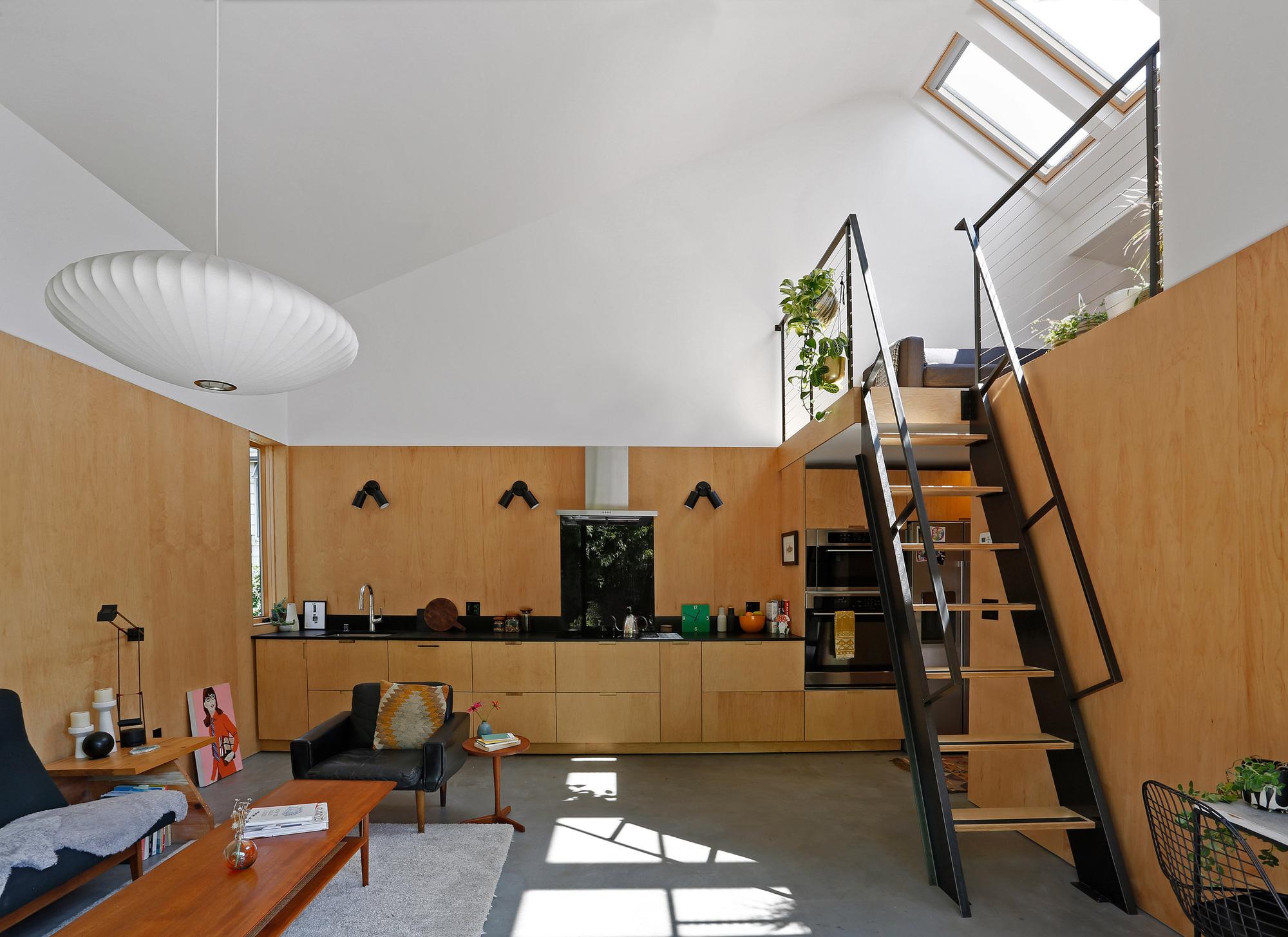 Ngôi nhà 54m² nhưng với cách thiết kế sáng tạo đã biến mặt tiền 4m thành 2 không gian vừa cho thuê vừa sử dụng tách biệt - Ảnh 6.