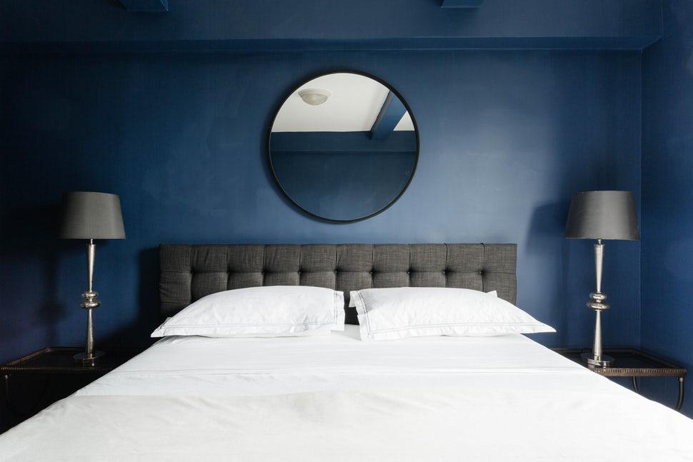 Sức lôi cuốn khó lòng chối từ những căn phòng ngủ mang sắc xanh biển cả - Ảnh 13.