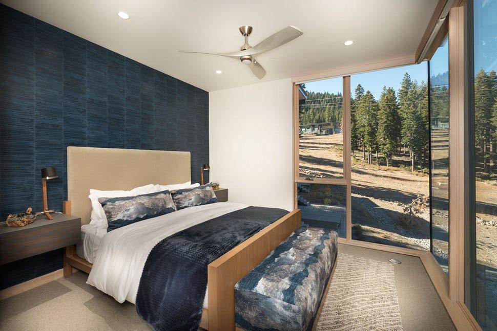 Sức lôi cuốn khó lòng chối từ những căn phòng ngủ mang sắc xanh biển cả - Ảnh 4.