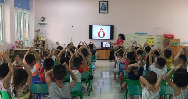 Cả nước thiếu 45.000 giáo viên mầm non - Ảnh 1.