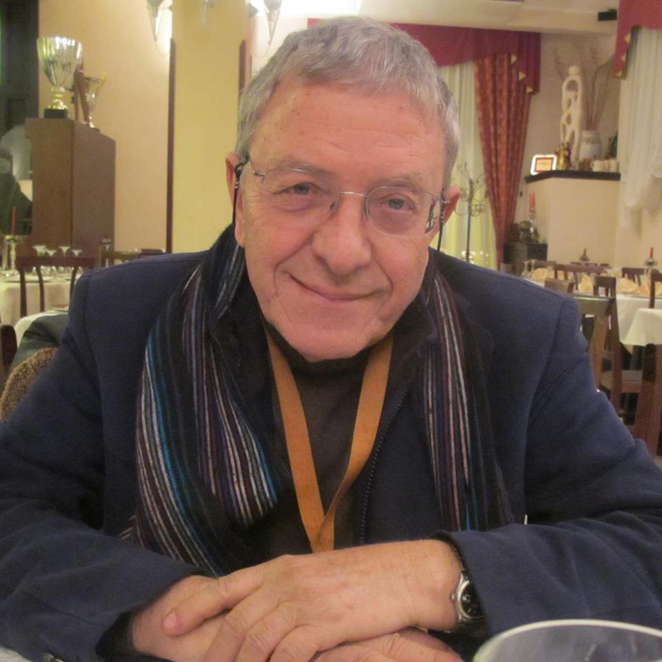 Giáo sư người Ý chia sẻ về việc làm bài tập về nhà khi học online mùa dịch: Không quan trọng, đây mới là những điều cần hơn chúng phải học - Ảnh 2.