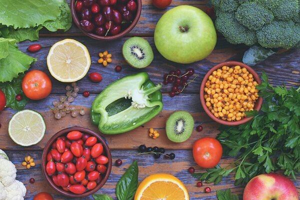 Nguyên phó Viện trưởng Viện dinh dưỡng quốc gia: Bổ sung Vitamin C liều cao rất cần thiết trong mùa dịch - Ảnh 2.