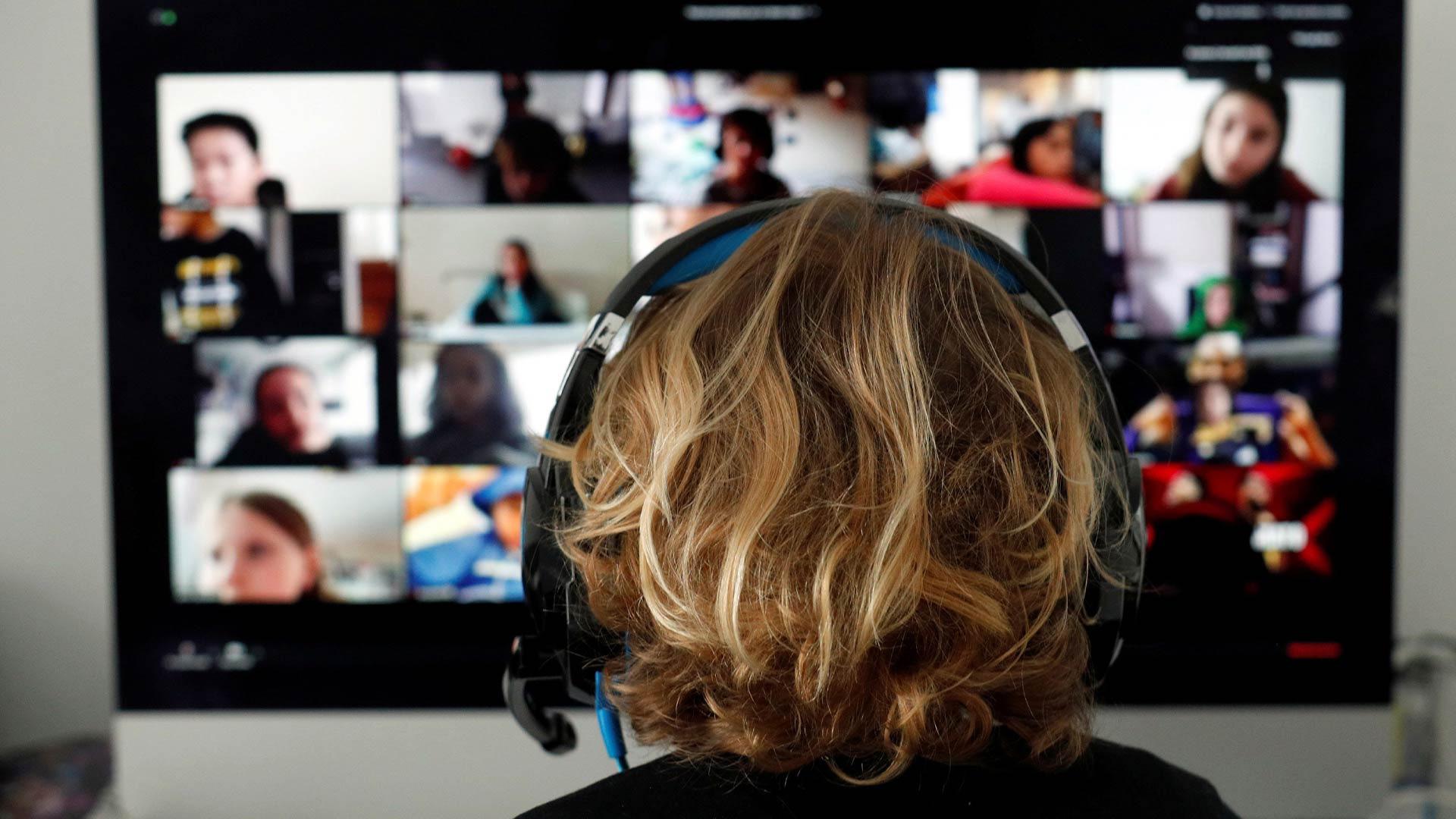 Góc nghiêm trị: Một nam sinh bị bắt vì phá rối lớp học online trên ứng dụng Zoom - Ảnh 2.