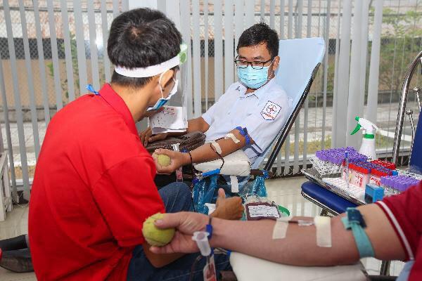 EVNGENCO 2 hiến máu nhân đạo, chung tay phòng chống dịch Covid-19 - Ảnh 2.
