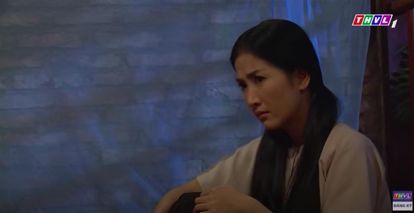 """""""Luật trời"""": Bích (Quỳnh Lam) mắc cỡ vì nghĩ xấu cho cậu chủ, nửa đêm nhớ cảnh bị rình mò khi đi tắm  - Ảnh 5."""