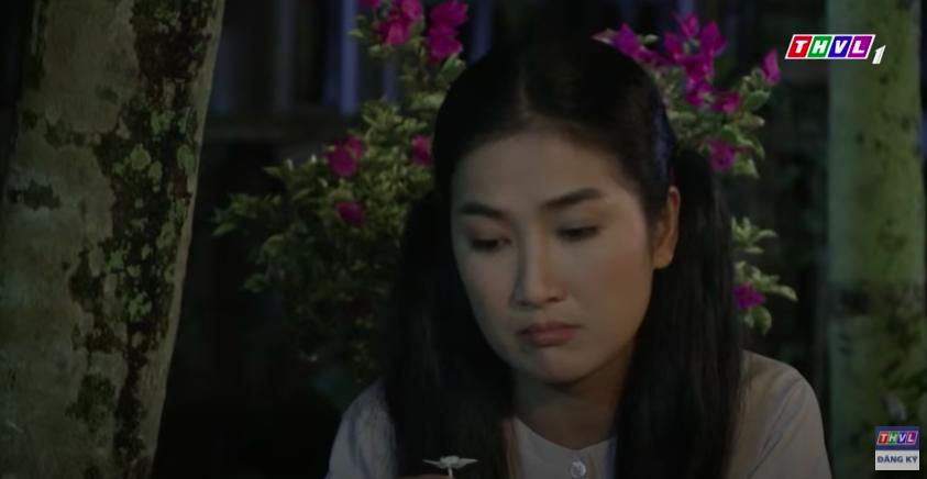 """""""Luật trời"""": Bích (Quỳnh Lam) mắc cỡ vì nghĩ xấu cho cậu chủ, nửa đêm nhớ cảnh bị rình mò khi đi tắm  - Ảnh 6."""
