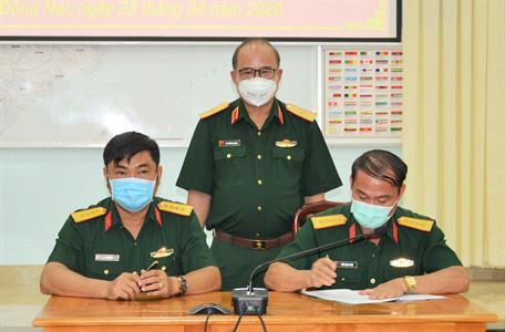 Bàn giao nhiệm vụ Phó Tư lệnh – Tham mưu trưởng Bộ Tư lệnh TP.HCM - Ảnh 2.