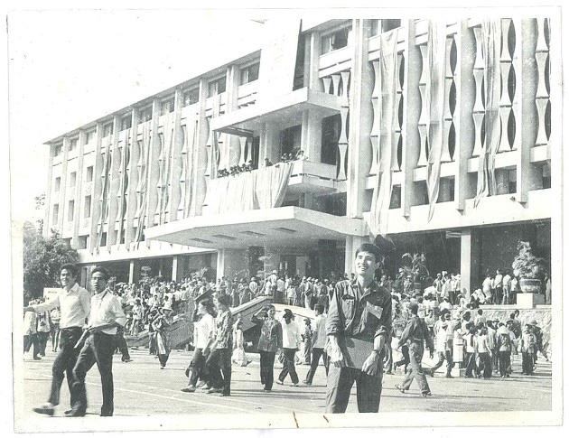 Sài Gòn có một tháng 5 đã đi vào ký ức - Ảnh 3.