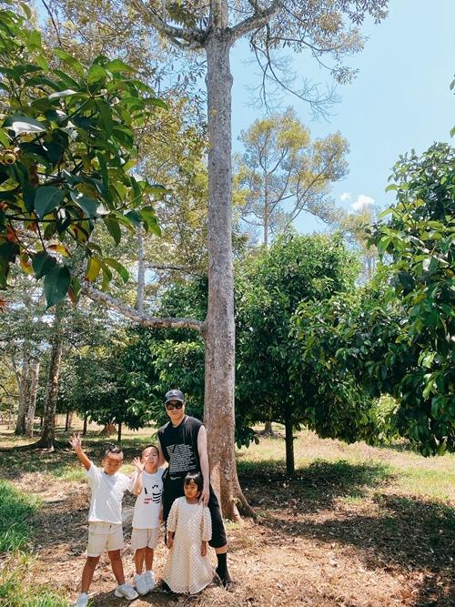 NTK Đỗ Mạnh Cường hé lộ khu vườn ngập trái cây - Ảnh 1.
